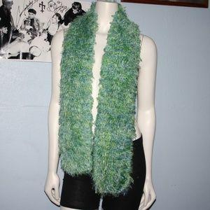 """NWoT faux fur Blue green crochet scarf 60"""""""